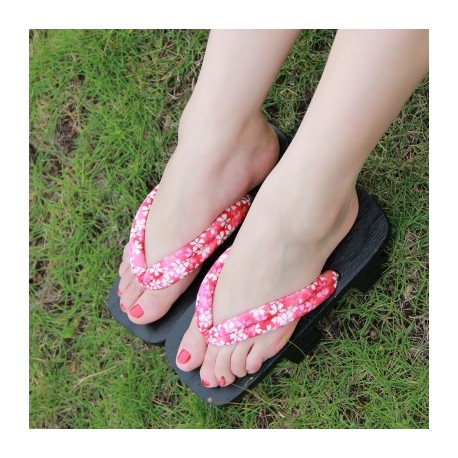 Japanische Holzschuhe zweizähnigen Clogs Kimono Floral Riemen braun Heels Highheels Damen Cosplay Geta